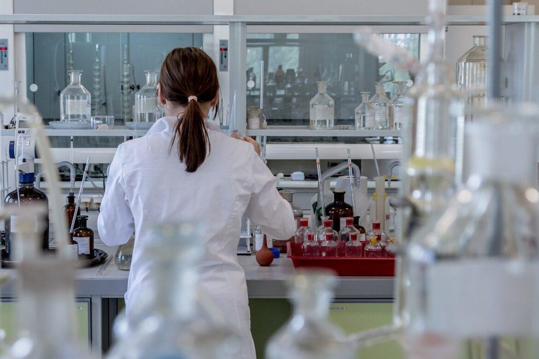 Krzesła laboratoryjne, przemysłowe i specjalistyczne